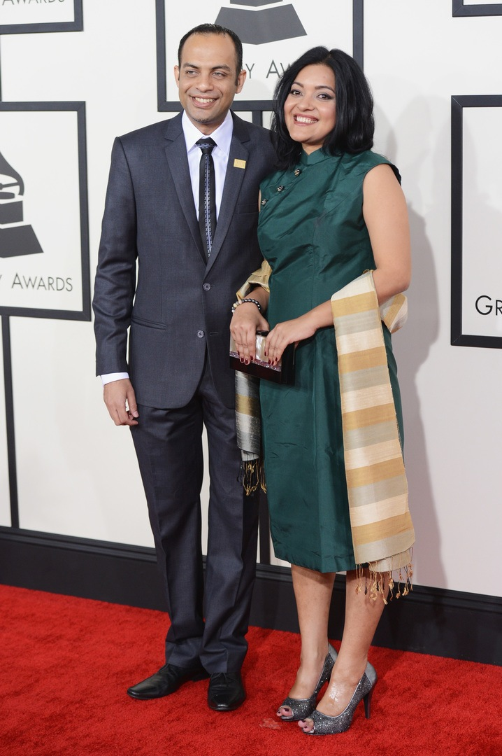 Arun Shenoy (L) and Roshni Mohapatra attend the 56th GRAMMY Awards at Staples Center on January 26, 2014 in Los Angeles, California. (Photo by Jason Merritt/Getty Images)